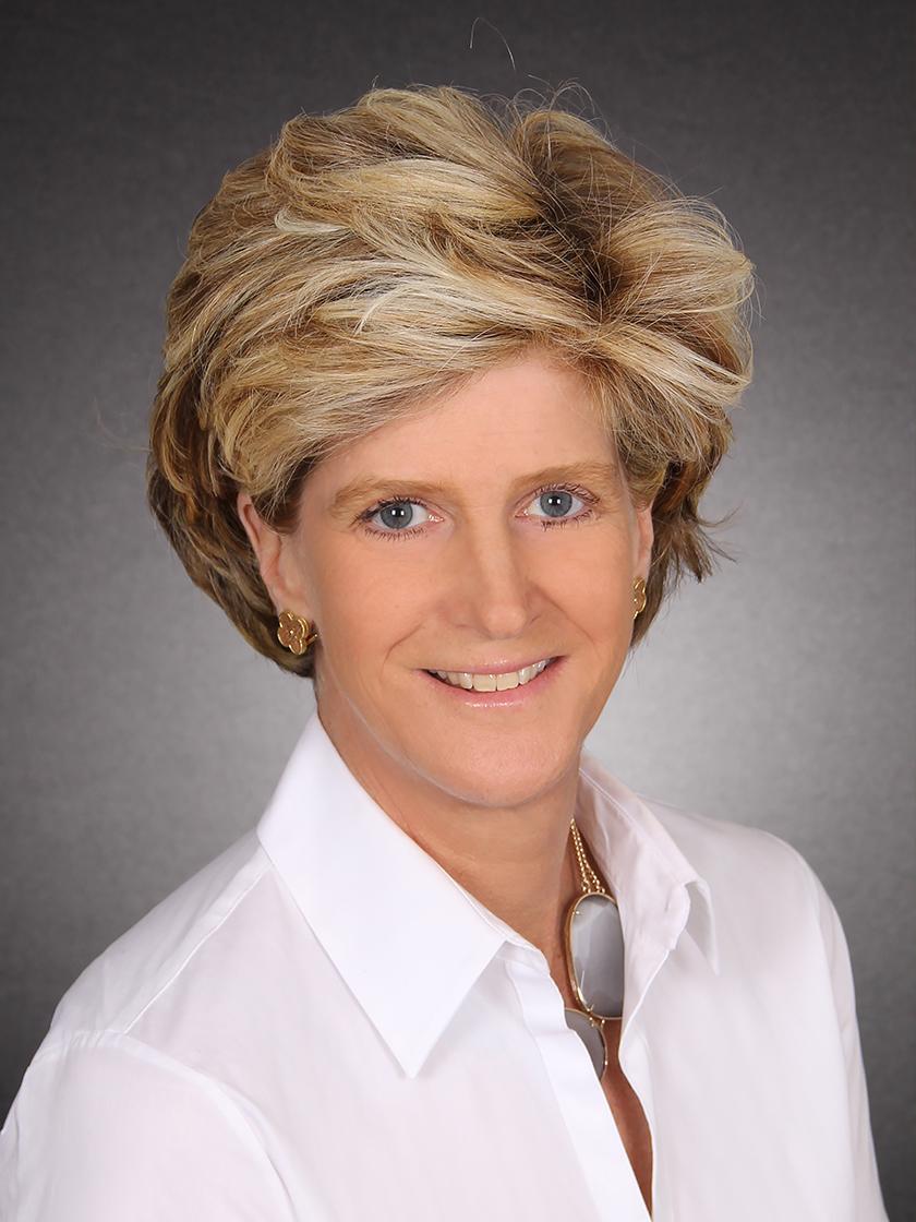 Leslie L McElwreath