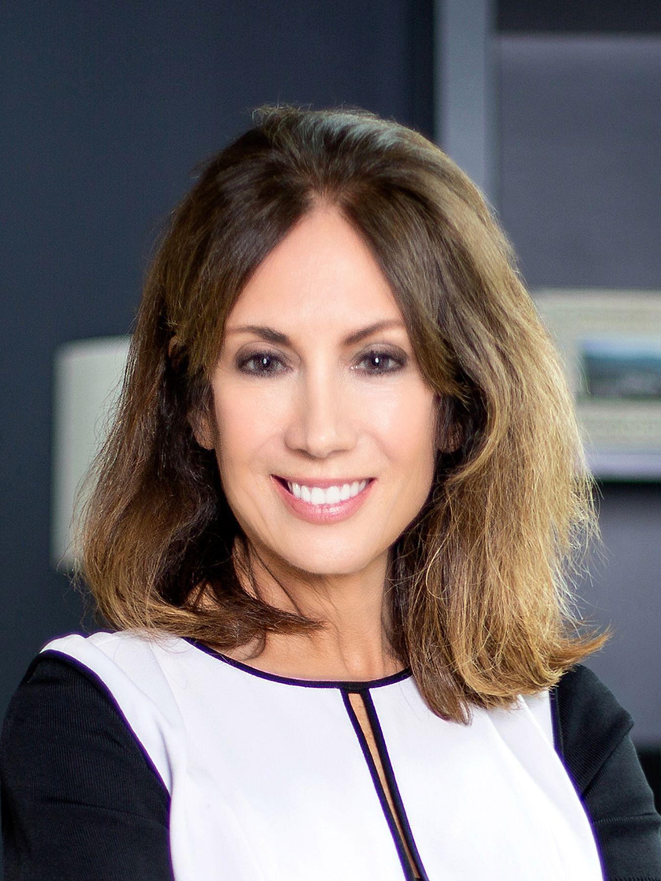Suzanne C Cade