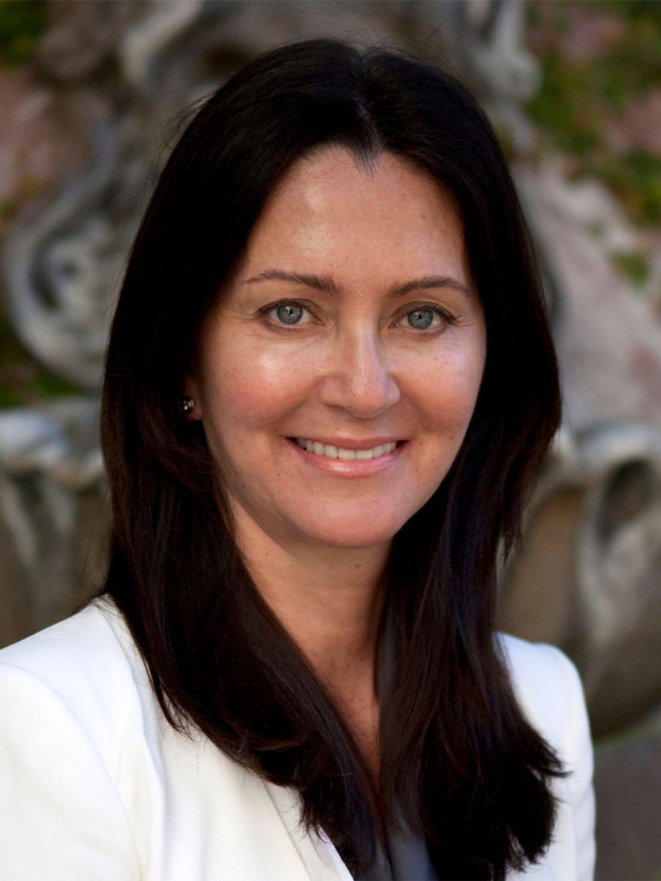 Lydia R Giraldo