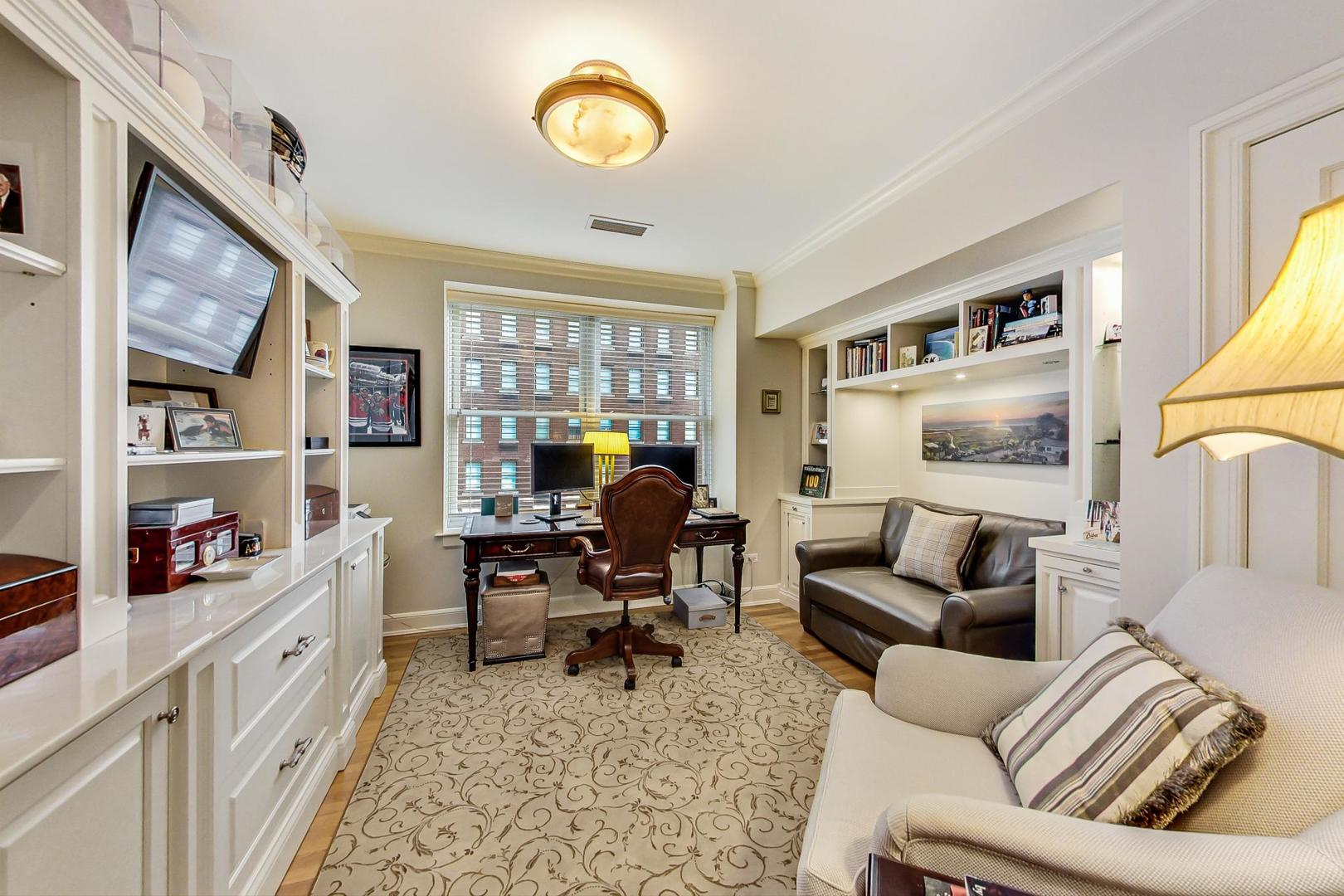 Chicago Real Estate | View 1300 N State, #501 | room 21