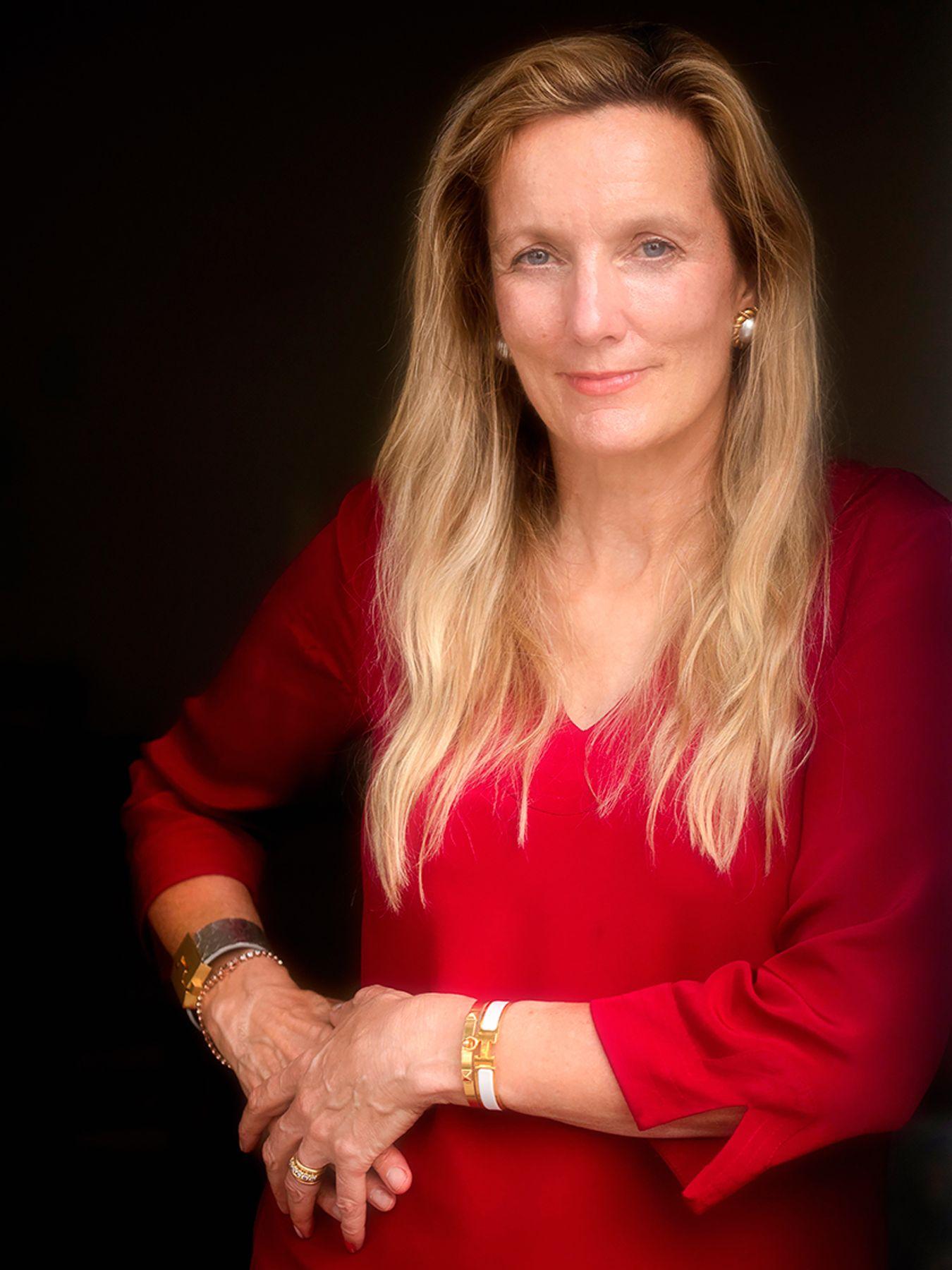Caroline E Guthrie