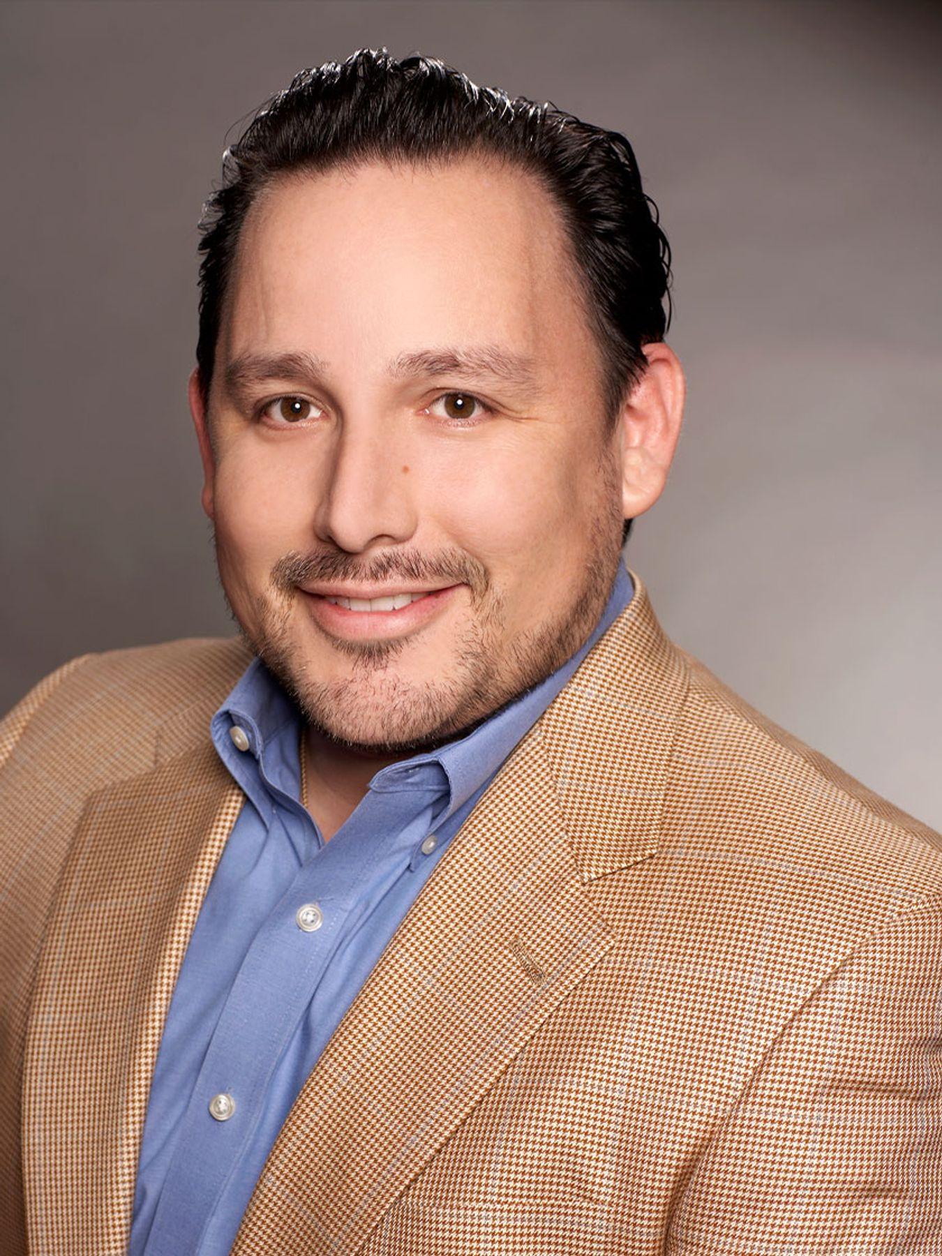 Oscar C Hernandez