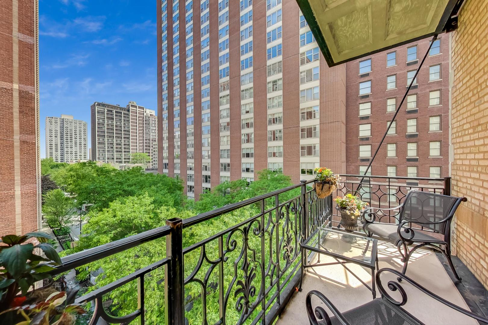 Chicago Real Estate | View 1300 N State, #501 | room 14