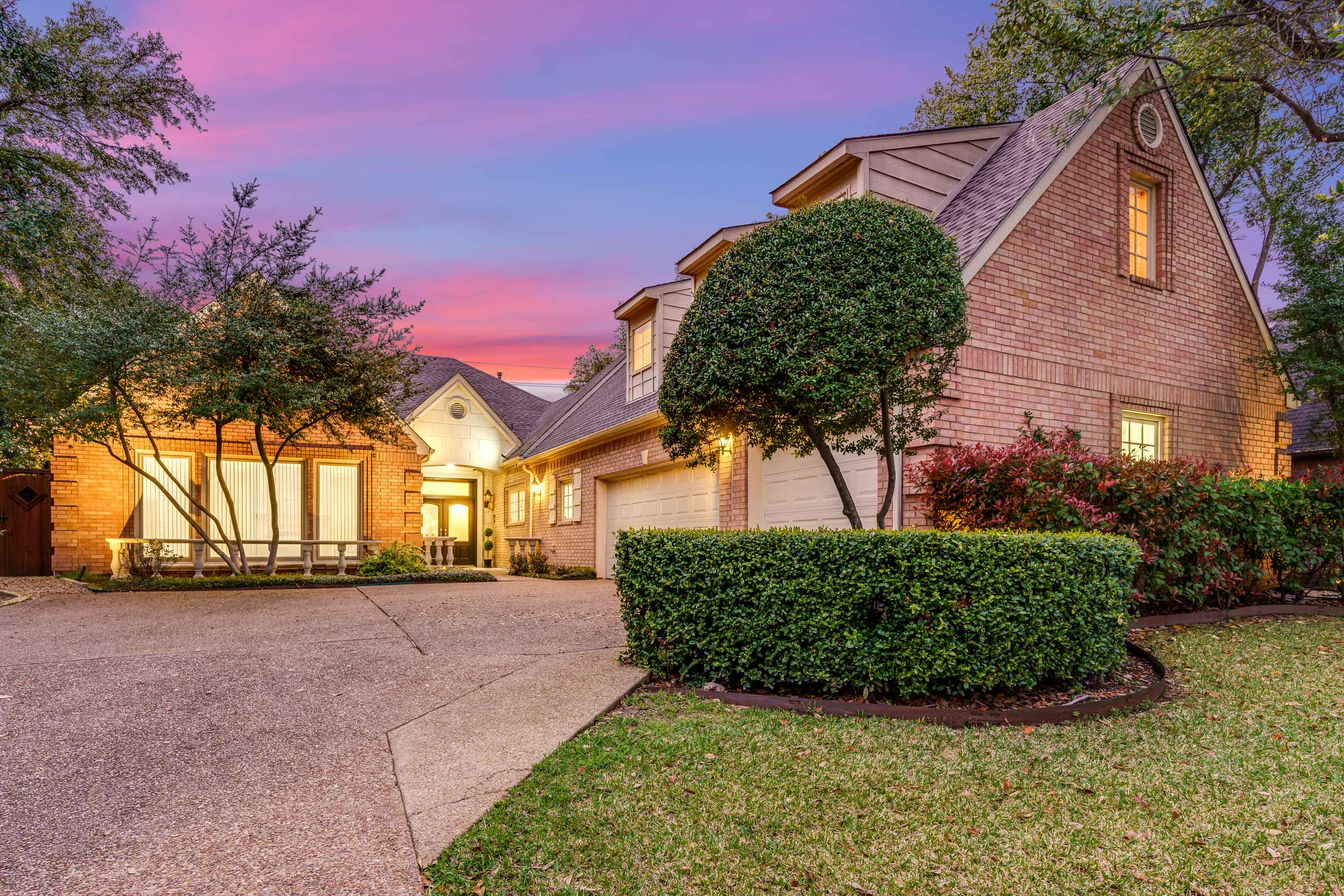 6105 Alpha Road Dallas Texas 75240 photo