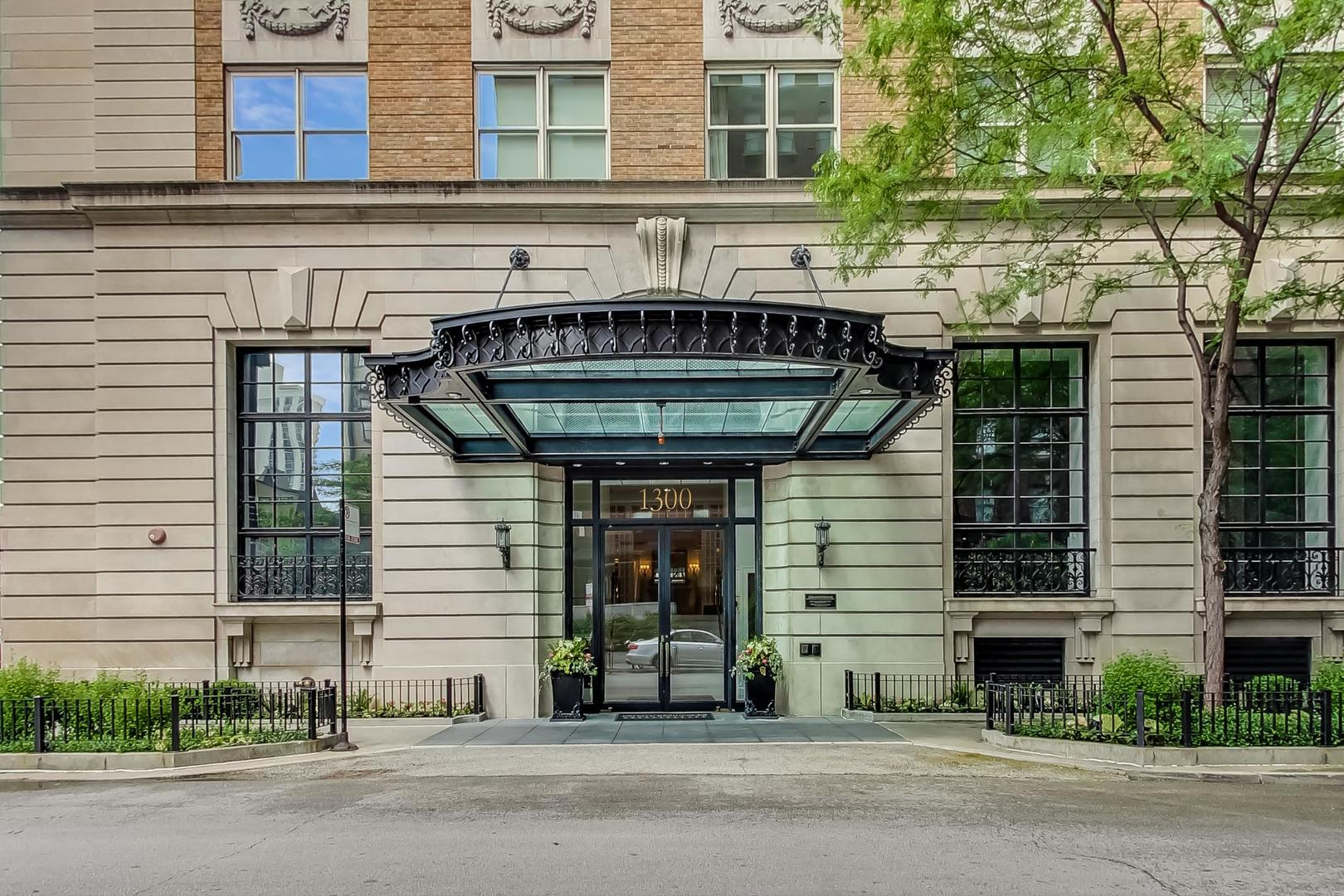 Chicago Real Estate | View 1300 N State, #501 | room 1