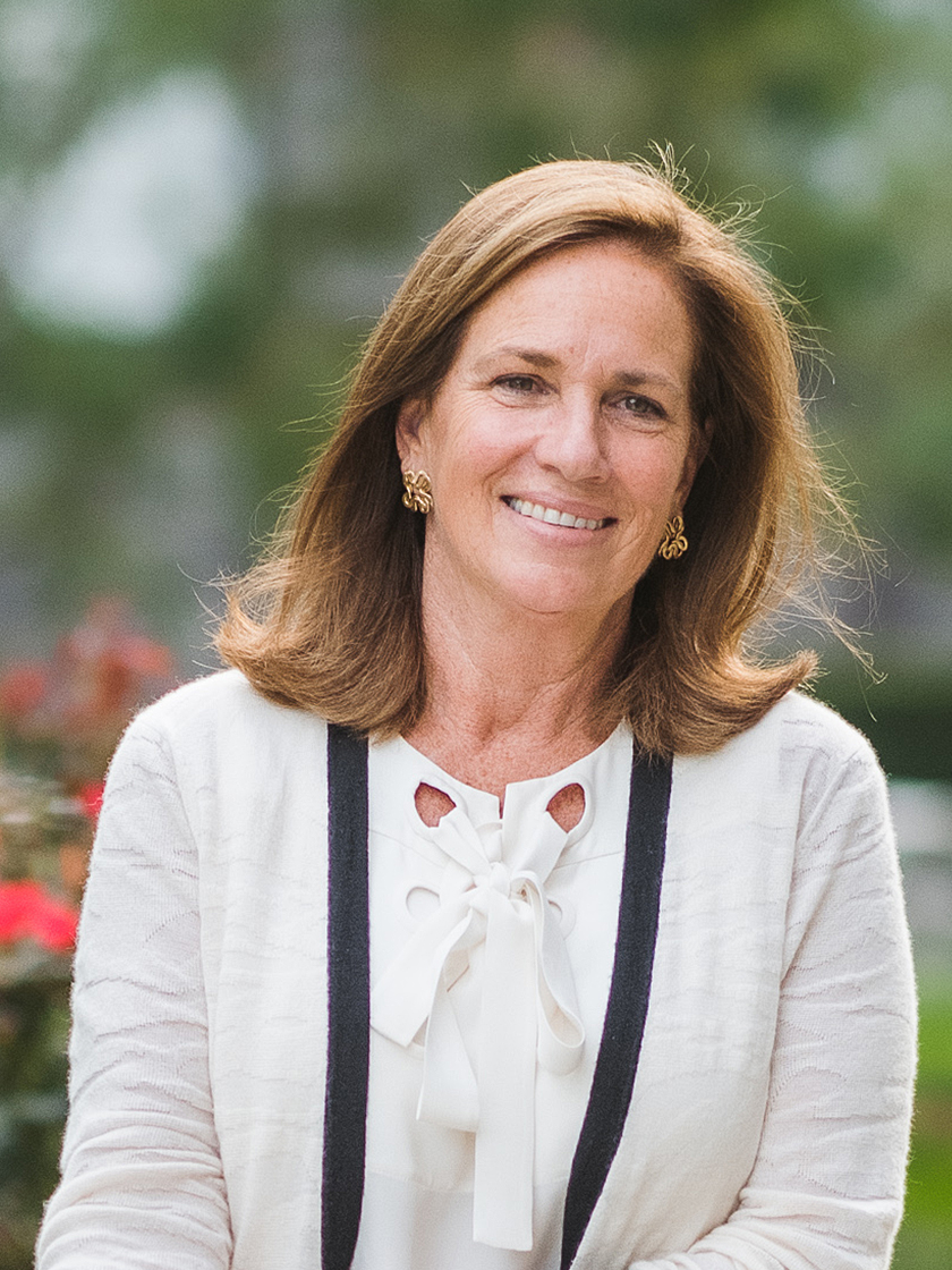 Mary M Jones